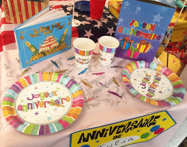 D coration de table pour pr parer un anniversaire original for Boutique deco en ligne
